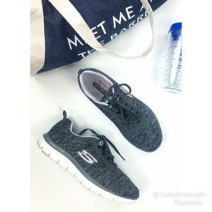 Skechers grey quilted memory foam sneakers 8.5